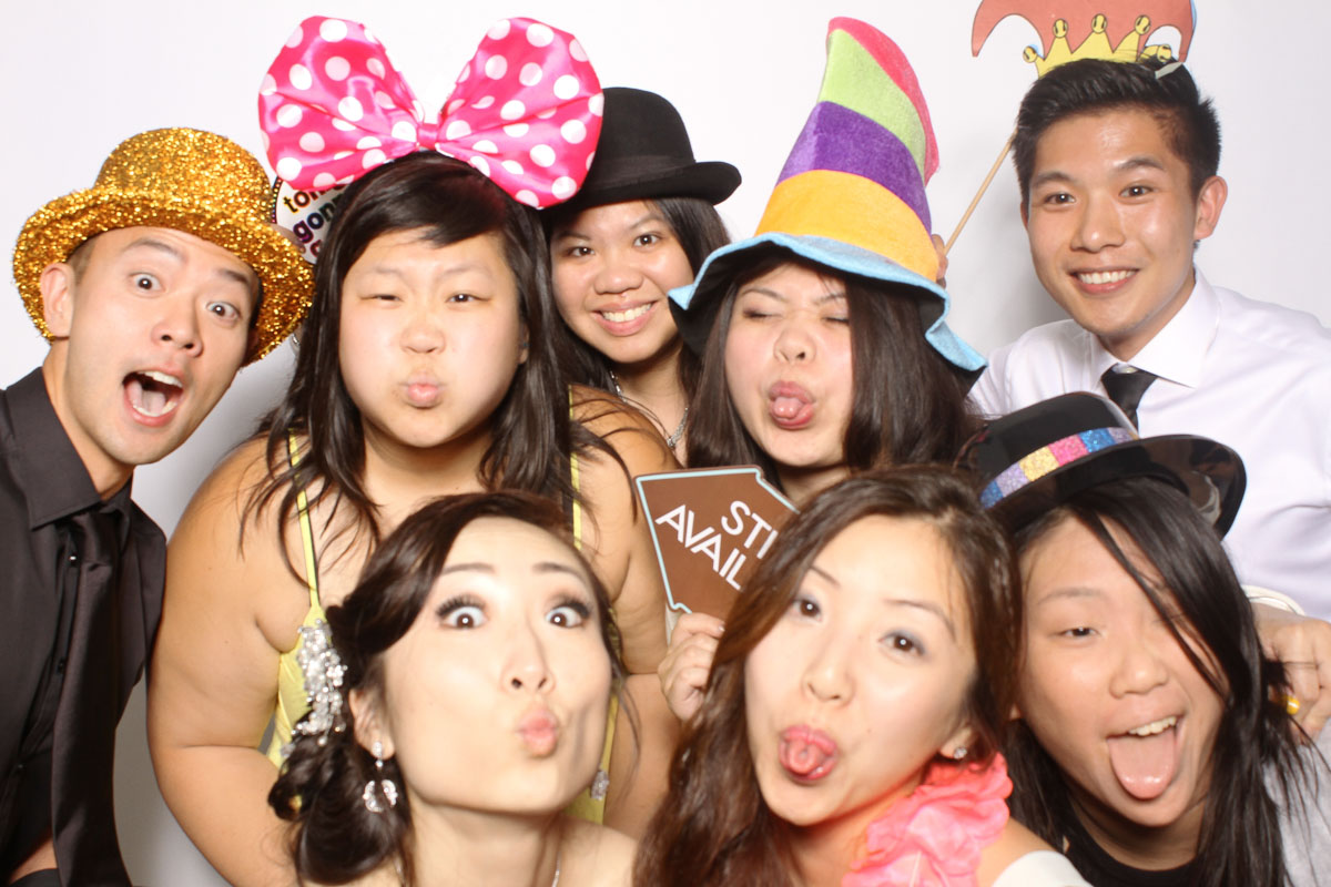photo booth at wedding